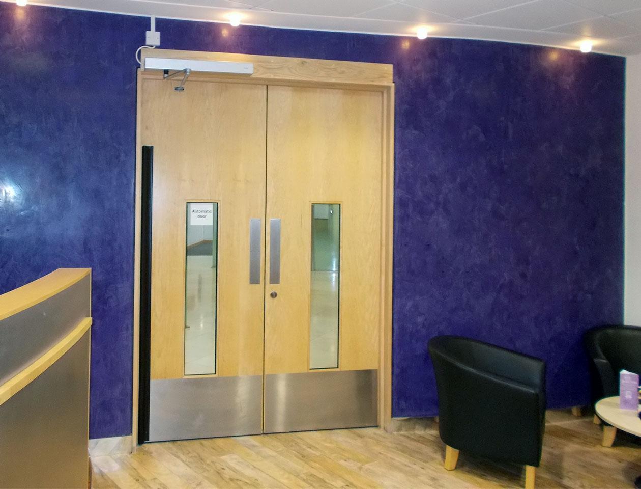 automatic-swing-doors-and-operators